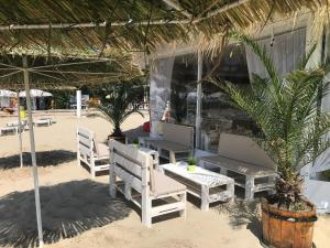 "Beach Bar ""TAHITI"" Приморско"